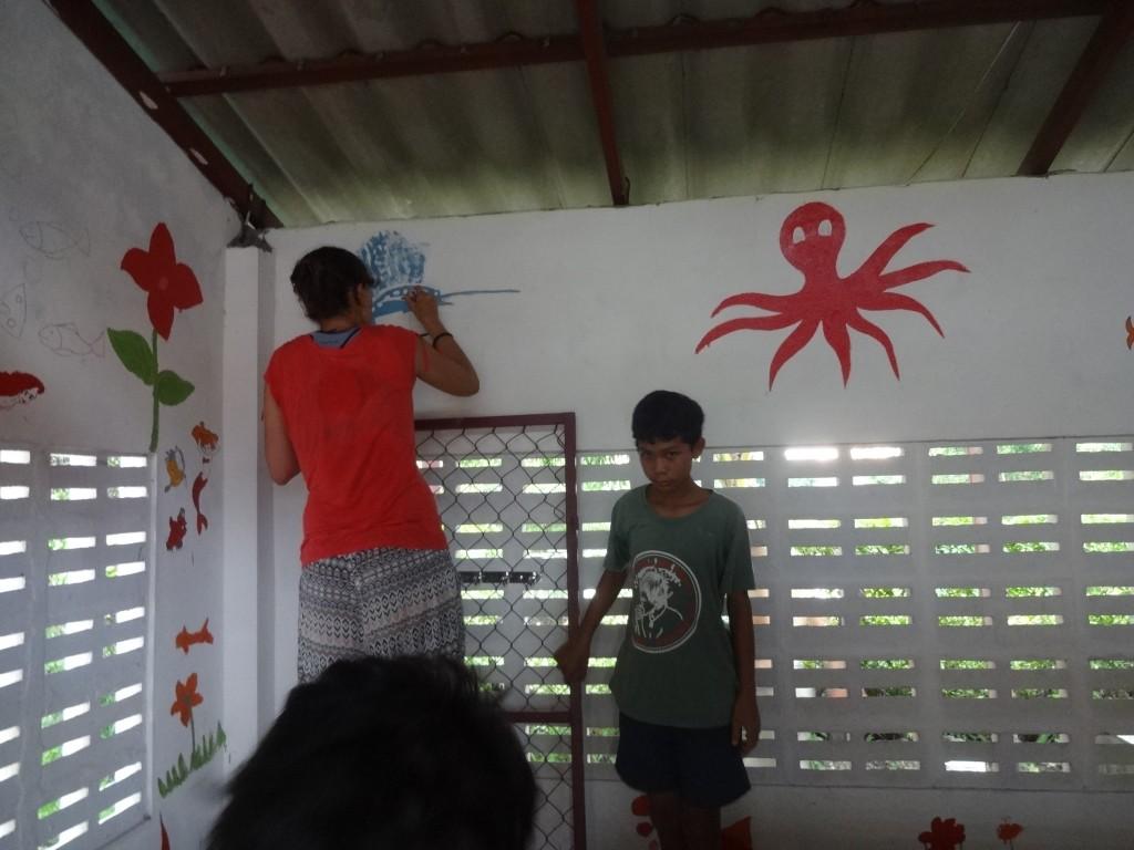 Koh Kong, la décoration des murs.