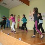Danse par les enfants de Mongauzy